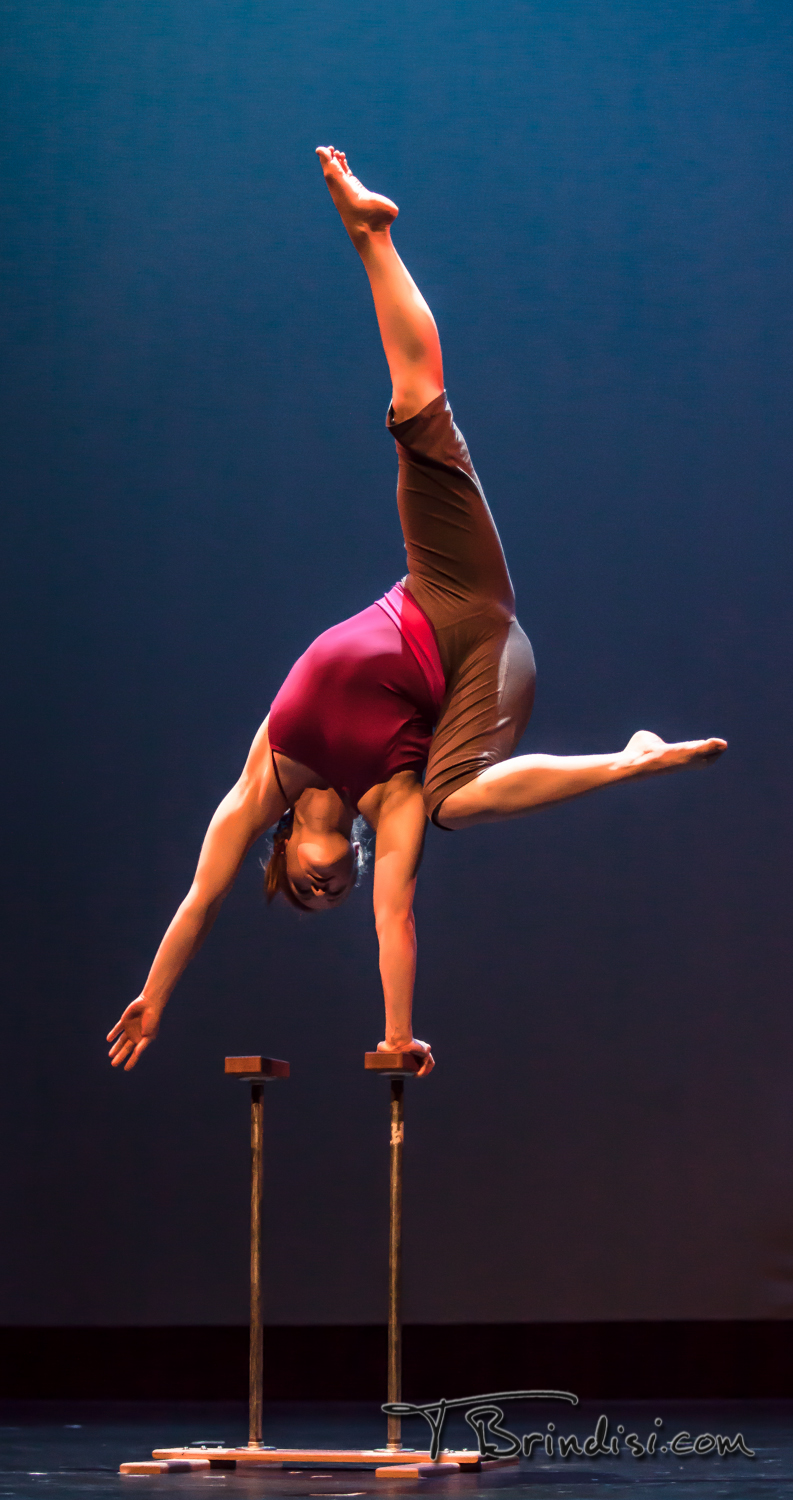 Megan Gendell handbalancing - one-arm